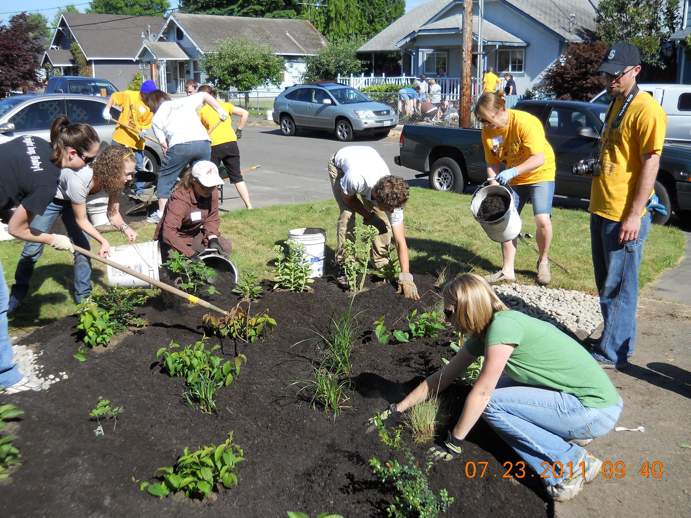 Event Volunteers Plant a Rain Garden